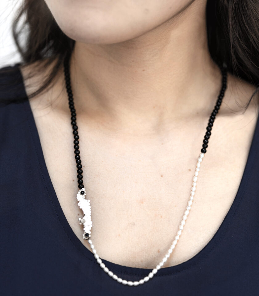 Recycled Black& White Stone Beads Necklace 3