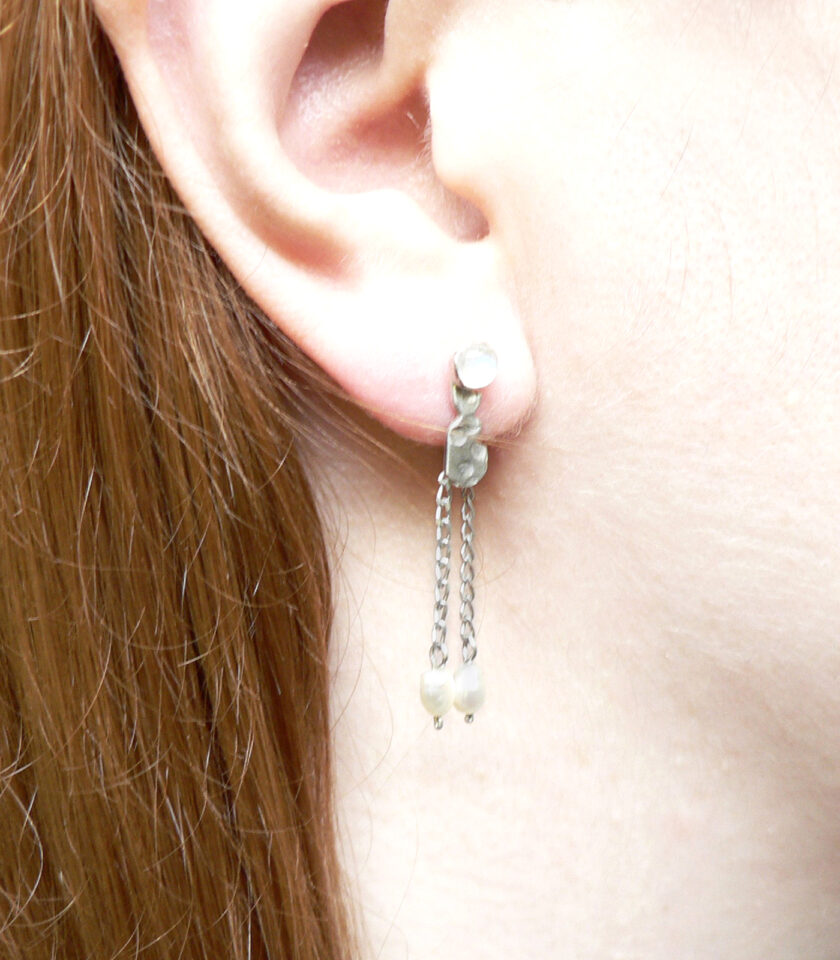 Recycled White Stone with Hanging Pearls Ear S 03