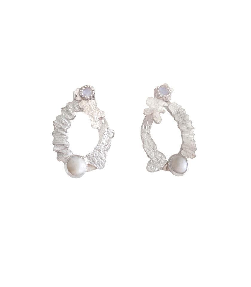 WCB _Ear_2 Ways Textured Oval Hoops